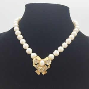 Pearl Necklace Bow Pendant JJ117